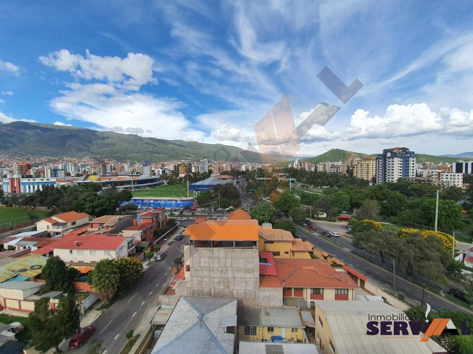 17-thumbnail-hermoso-penthouse-sobre-268m2inmediaciones-stadium-felix-capriles