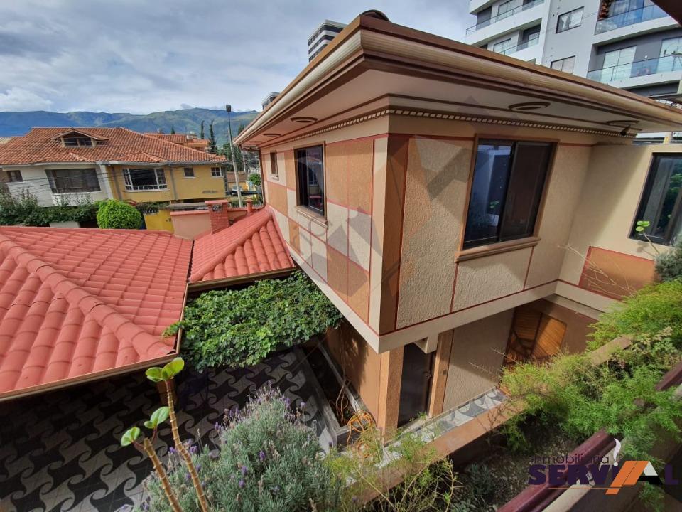 4-thumbnail-hermosa-casa-de-3-plantas-av-beiging
