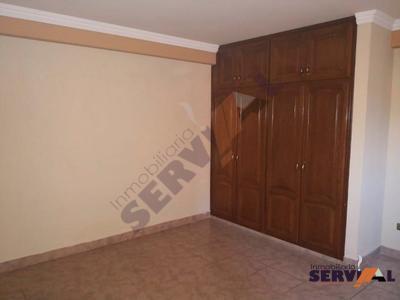 casa-4-plantas-en-venta-sobre-la-calle-uruguay-y-esteban-arze